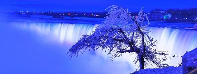 14.jpg - 瀑布被冰凍了
