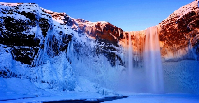 4.jpg - 瀑布被冰凍了