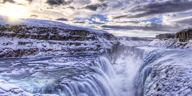 2.jpg - 瀑布被冰凍了