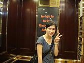 2009.10.01 香港四天三夜自由行 1Day:電梯內