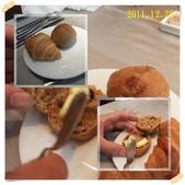 2011到處吃:餐前可頌+雜糧麵包cats.jpg