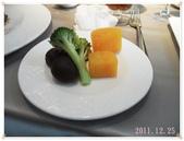 2011到處吃:主餐附的青菜.JPG