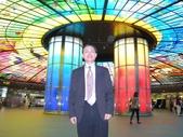 成功大學66級統計系同學:DSCN4031超炫的高雄美麗島捷運站大廳.JPG