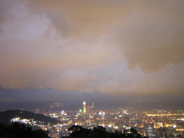 從阿水的家/鬼店 觀賞台北夜景 - 台北夜景