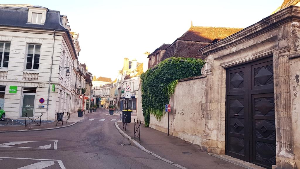20190704_064559[1].jpg - 2019【法國】南法之旅。歐塞爾Auxerre距離巴黎180公里古樸漁港風情小鎮
