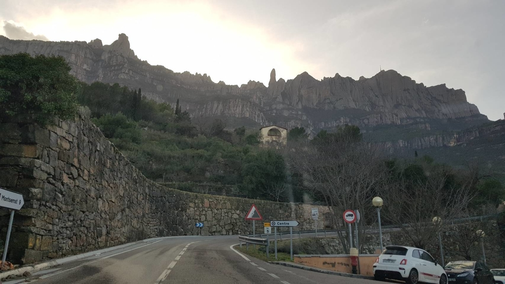 133497.jpg - 【西班牙】2020巴塞隆納近郊。開車一個小時蒙特塞拉特山修道院散散步