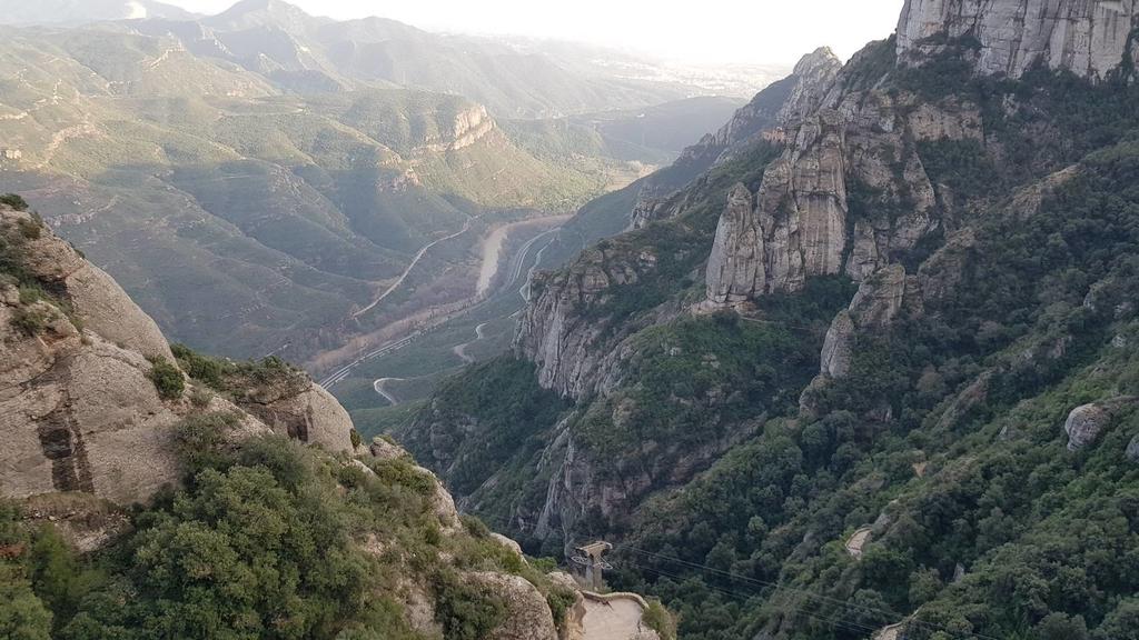 133503.jpg - 【西班牙】2020巴塞隆納近郊。開車一個小時蒙特塞拉特山修道院散散步