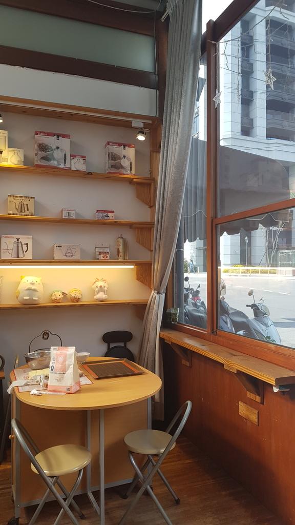 20191107_110937.jpg - 【中和.永和】仁愛公園咖啡甜點推薦。咖啡咖小木屋建築咖啡香四溢。野夫咖啡豆手沖美味咖啡