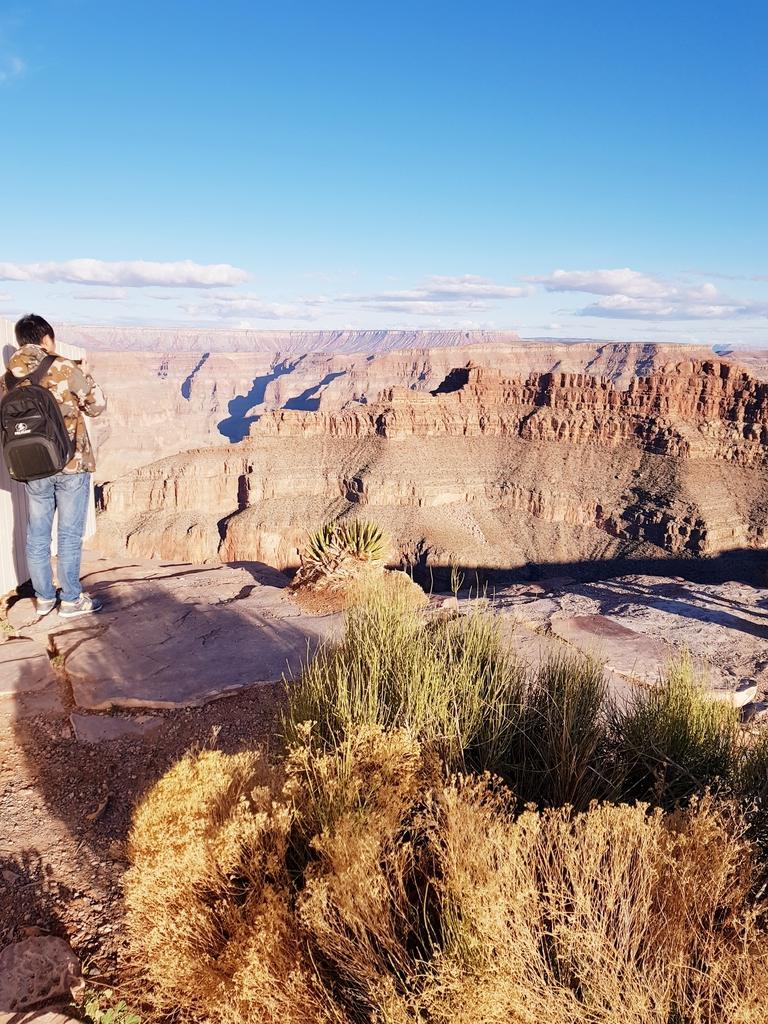 20180215_170305.jpg - 【美國.西岸】西岸大峽谷西側天空步道一人門票+天空步道$70美元很適合拍婚紗的美好風景