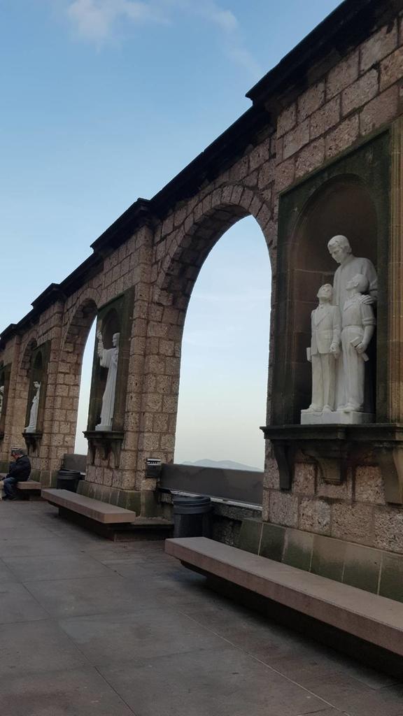 133484.jpg - 【西班牙】2020巴塞隆納近郊。開車一個小時蒙特塞拉特山修道院散散步