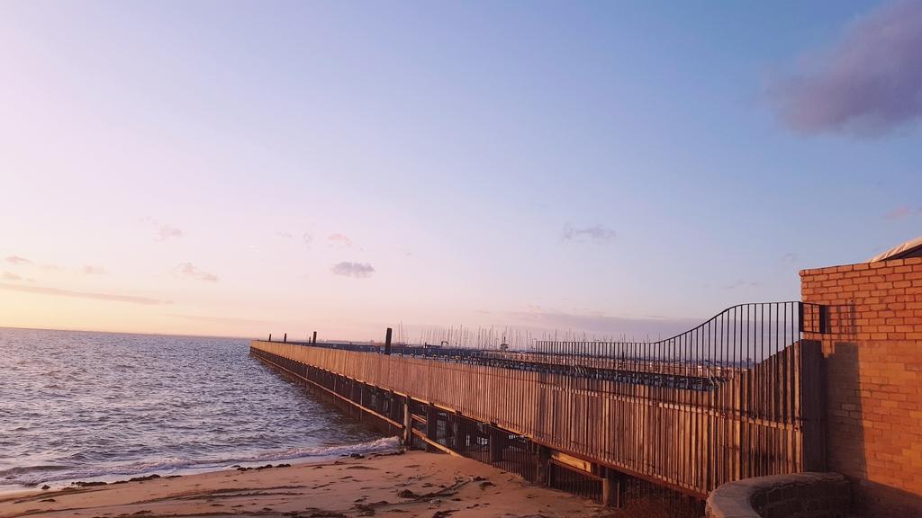 20190213_200733.jpg - 【澳洲.墨爾本】2019免費景點。Brighton Beach Bath Boxes 海邊彩色小屋