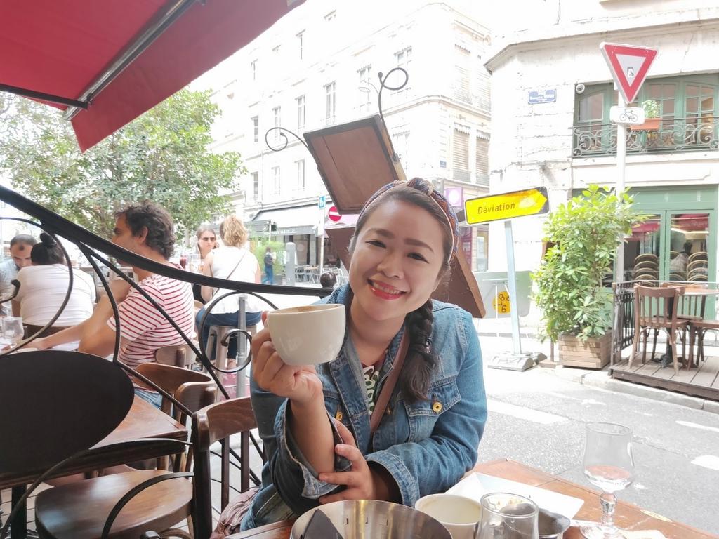 里昂72_190710_0002.jpg - 2019【法國】里昂Lyon。203 Cafe早餐麵包咖啡超美味推薦。莓類水果塔比甜點店好吃