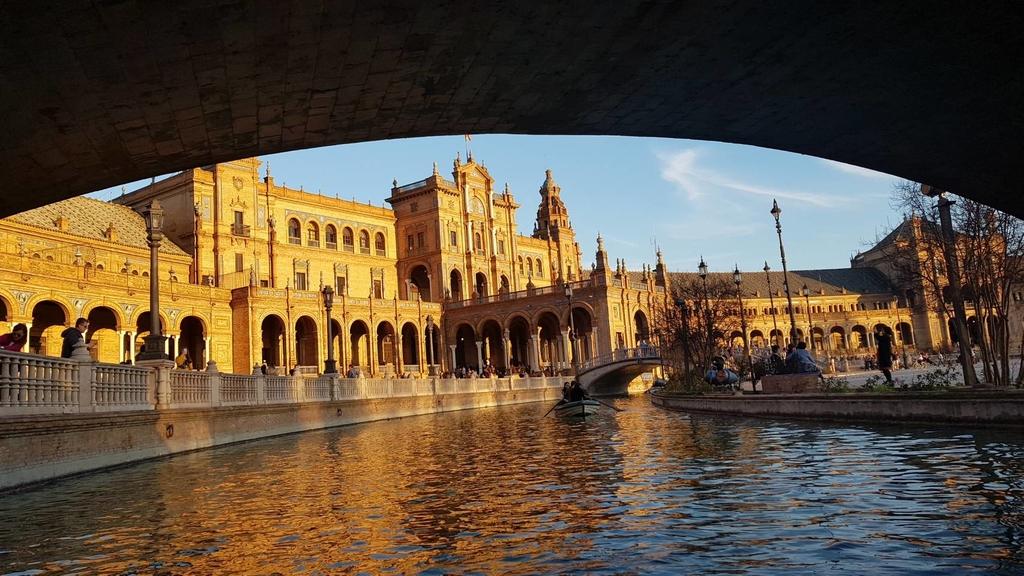 133147.jpg - 【西班牙.賽維亞】2020Sevilla西班牙廣場划10歐小船不限時間。假日觀賞佛朗明哥街頭藝人表演