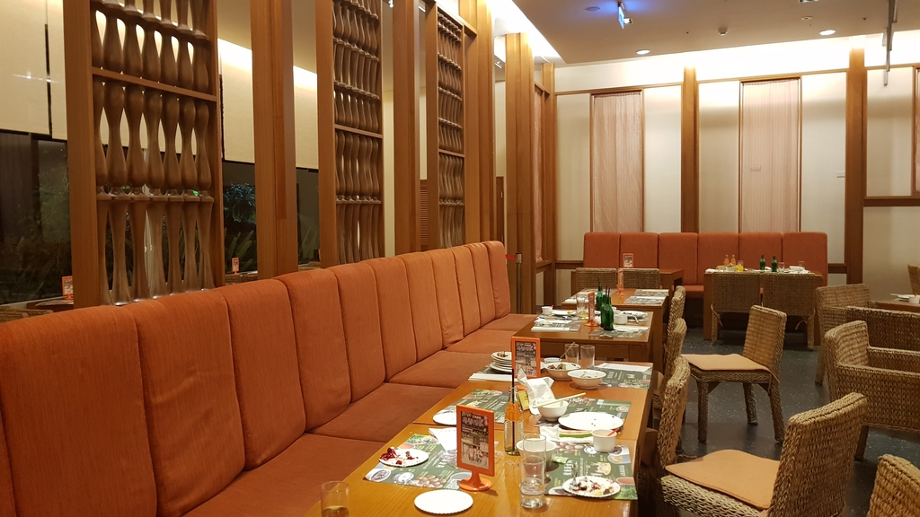 20180625_200055.jpg - 【台東.鹿野】鹿鳴溫泉酒店。房間寬敞全館都是碳酸氫鈉泉。六樓男女裸湯超舒適