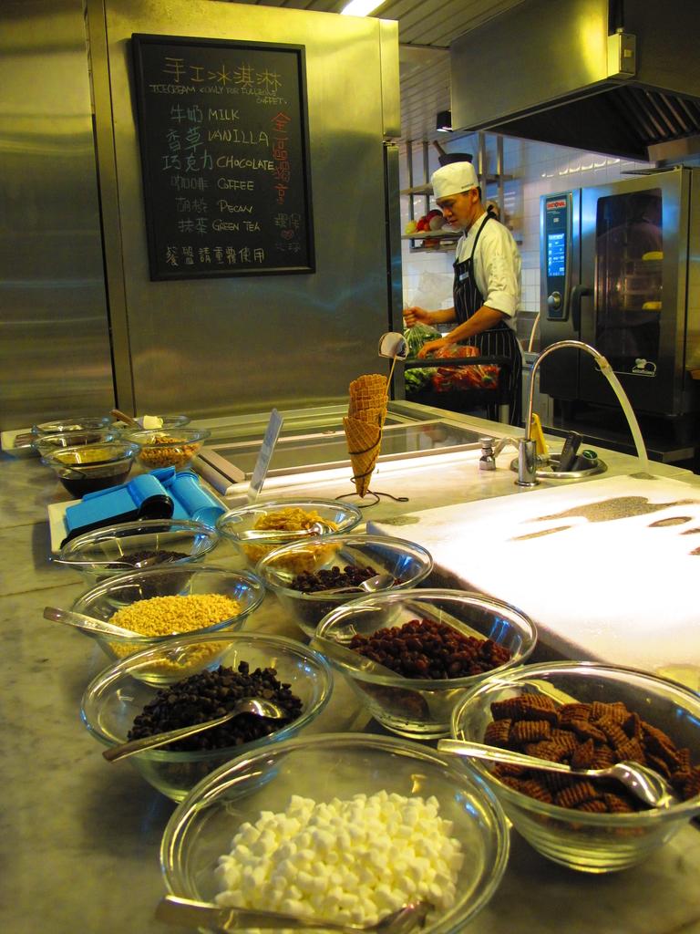 【台北】天母market cafe。揪西到破表的美國肋眼。週一周二特惠價cp值超級高:IMG_2011.JPG