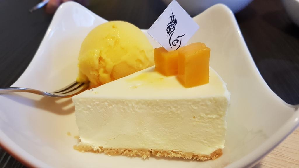 20180814_162627.jpg - 【花蓮】隱藏在巷弄之中的美味甜點。靜町甜點會社蛋糕手工布丁&咖啡