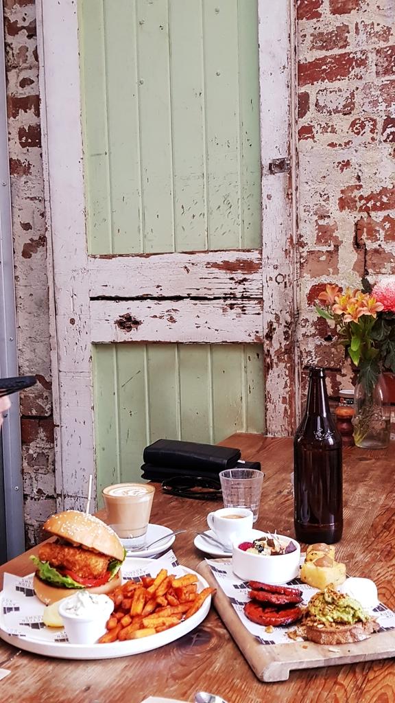 20190206_082323.jpg - 【澳洲.墨爾本】2019自駕。Auction Rooms Cafe美味的早午餐環境超美網美必來