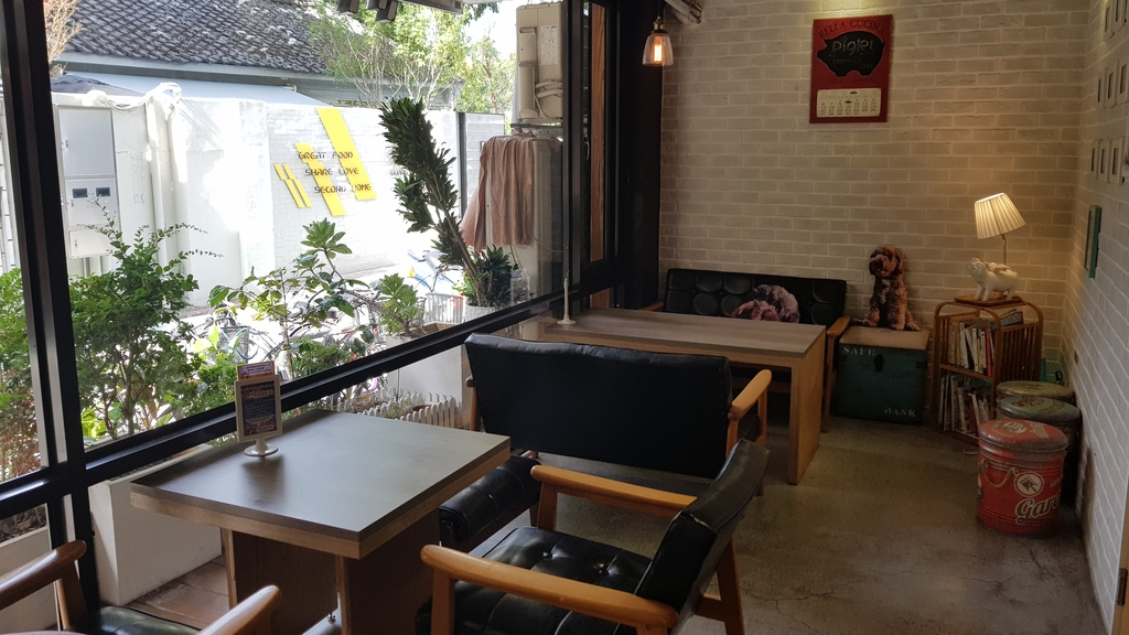 20180712_153523.jpg - 【台北.公館】彼克蕾咖啡義大利麵下午茶專賣店。寵物友善餐廳上牽繩可落地