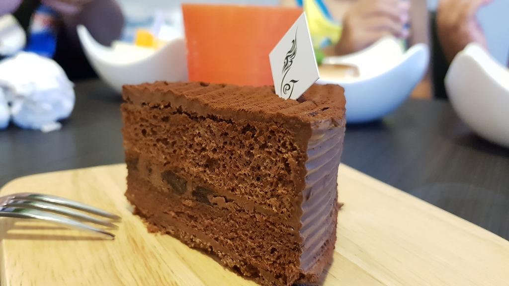 20180814_162600.jpg - 【花蓮】隱藏在巷弄之中的美味甜點。靜町甜點會社蛋糕手工布丁&咖啡