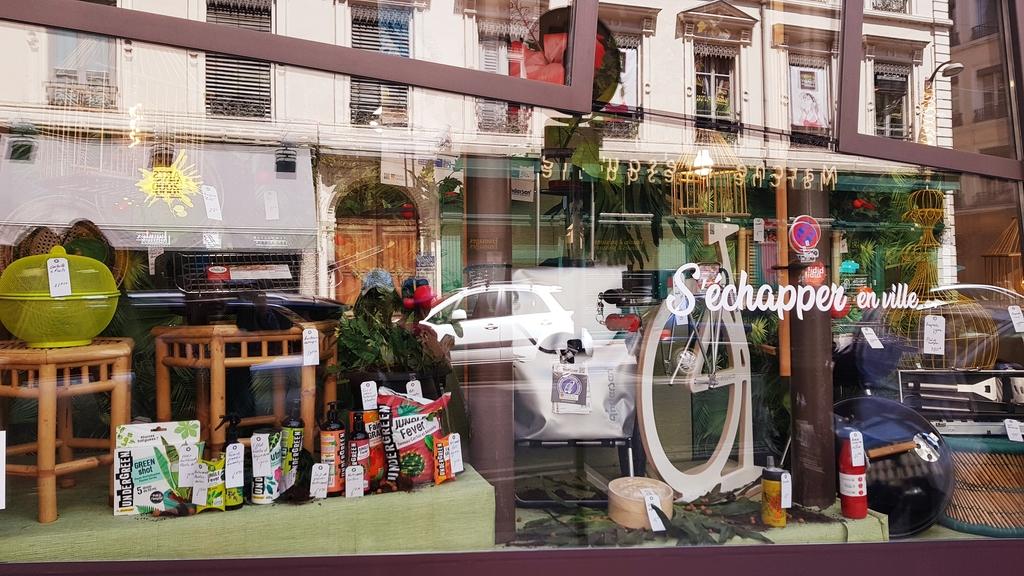 20190702_140032.jpg - 【法國.里昂】里昂LYON白萊果廣場逛逛&Pignol Zola法式甜點店