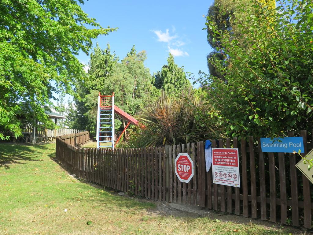 IMG_6404.JPG - 【紐西蘭.南島】2017露營車之旅。Wanaka TOP10 Holiday Park有游泳池的露營