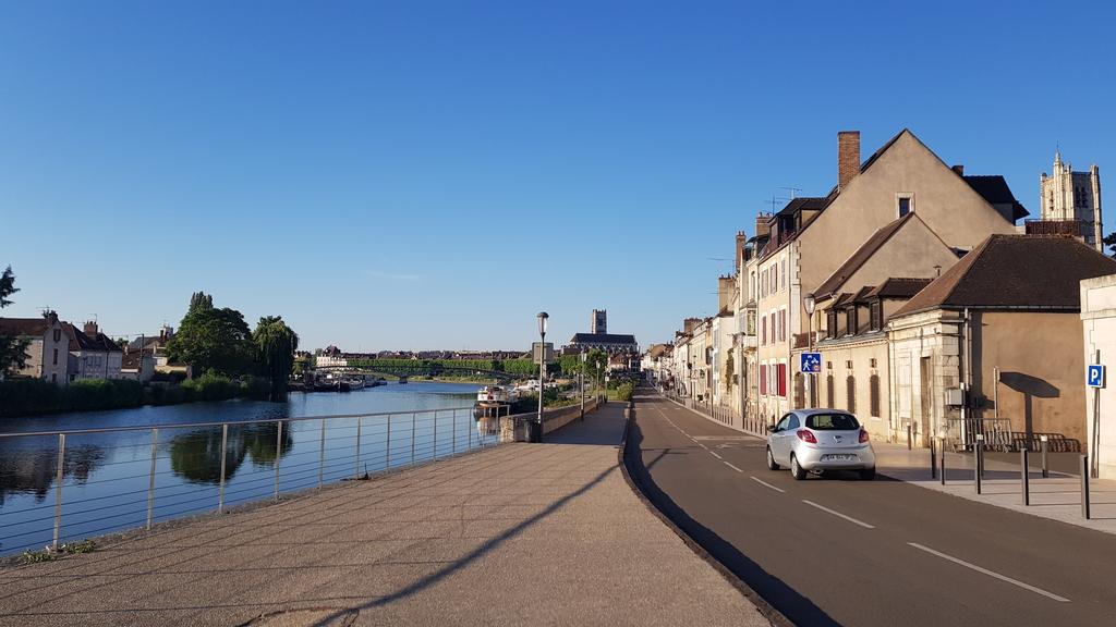 20190704_073255[1].jpg - 2019【法國】南法之旅。歐塞爾Auxerre距離巴黎180公里古樸漁港風情小鎮