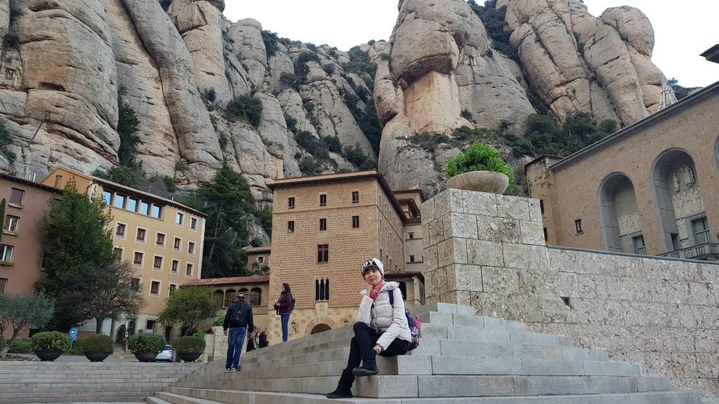 133481.jpg - 【西班牙】2020巴塞隆納近郊。開車一個小時蒙特塞拉特山修道院散散步