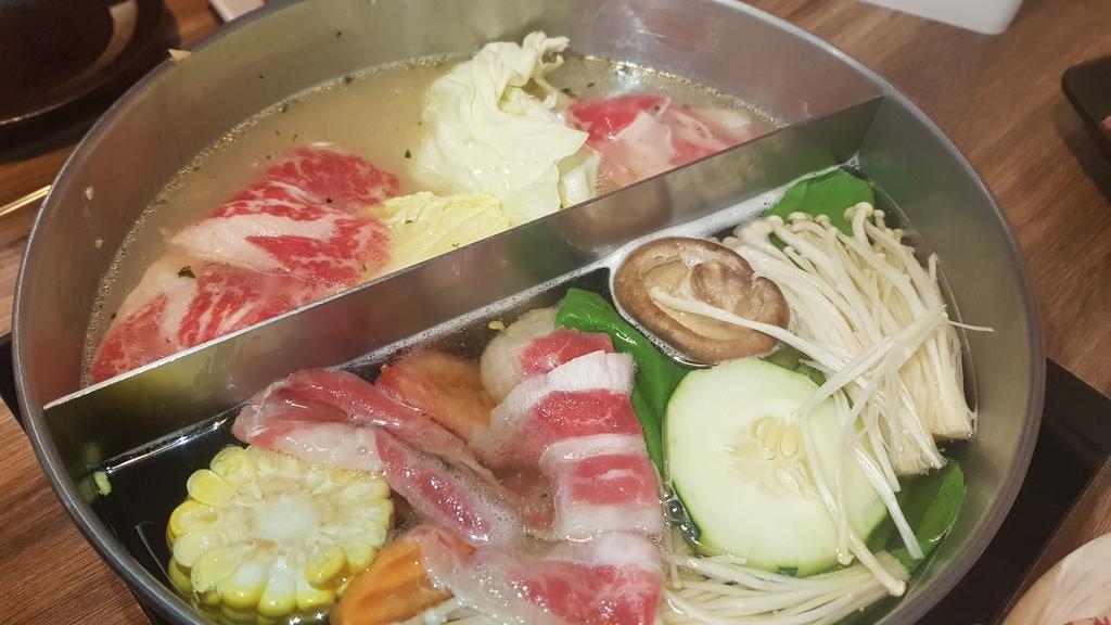 20191031_114935.jpg - 【中和.永和】瀧厚火鍋。平價高級肉專售店。超推濃醇香的蛤蠣爆爆鍋煮海鮮超美味