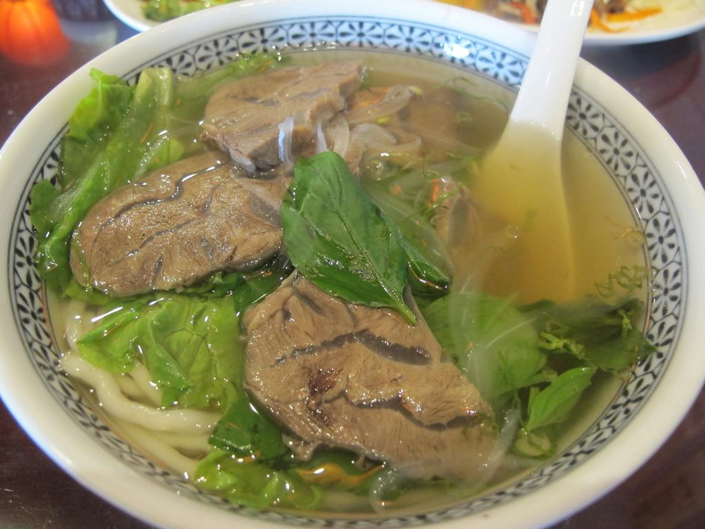 【永和】午餐.晚餐推薦。八里亭麵館推清燉牛肉麵:IMG_0437.JPG
