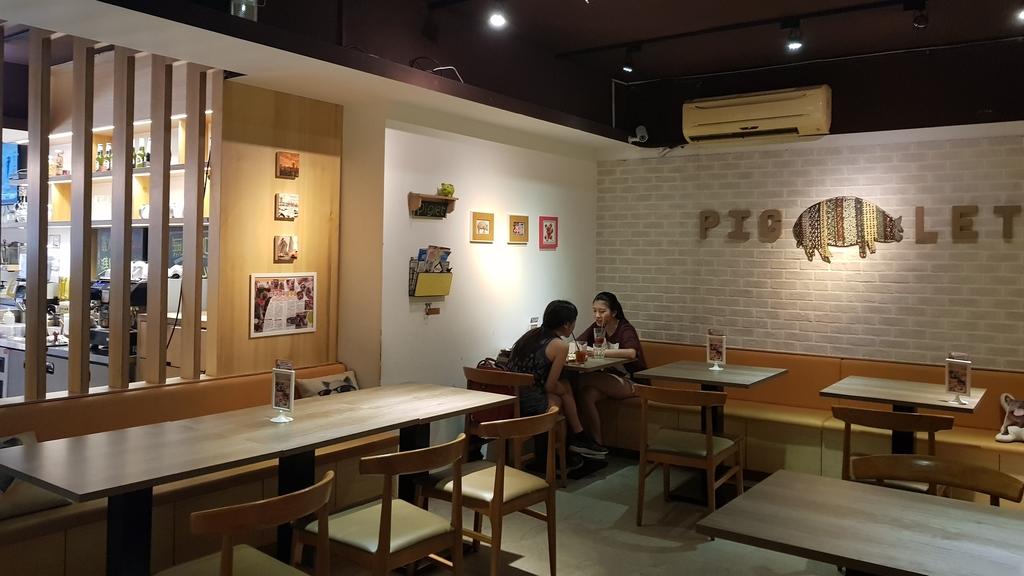20180712_154328.jpg - 【台北.公館】彼克蕾咖啡義大利麵下午茶專賣店。寵物友善餐廳上牽繩可落地