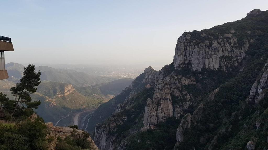 133502.jpg - 【西班牙】2020巴塞隆納近郊。開車一個小時蒙特塞拉特山修道院散散步