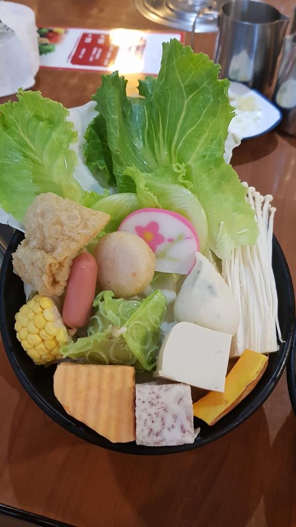 20180621_113645.jpg - 【中和.永和】午餐.晚餐推薦。石裡香石頭火鍋