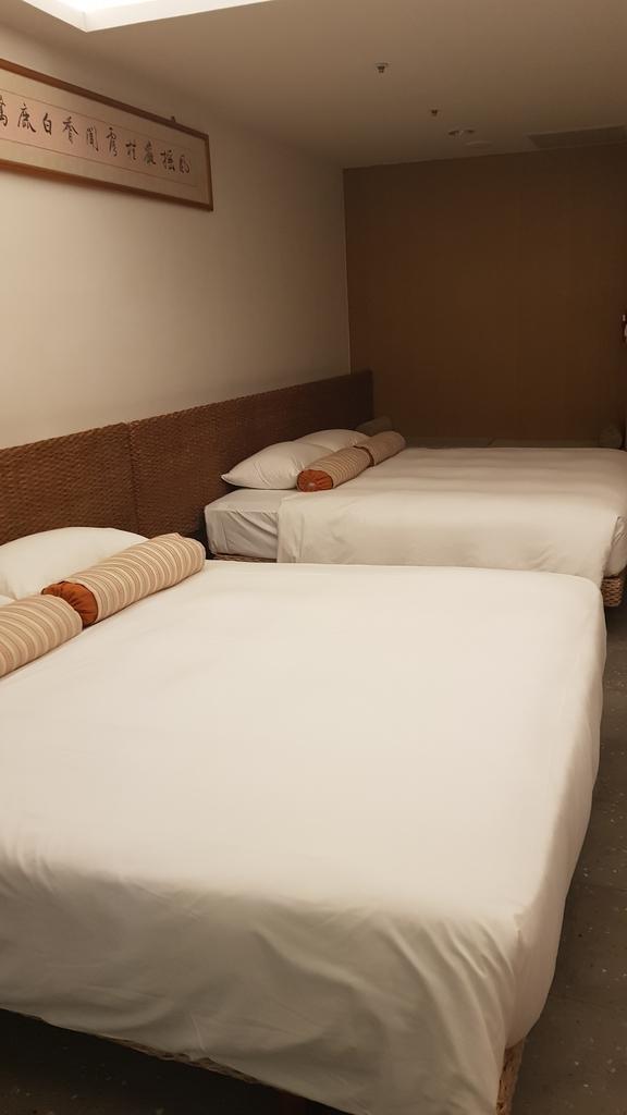 20180625_203425.jpg - 【台東.鹿野】鹿鳴溫泉酒店。房間寬敞全館都是碳酸氫鈉泉。六樓男女裸湯超舒適