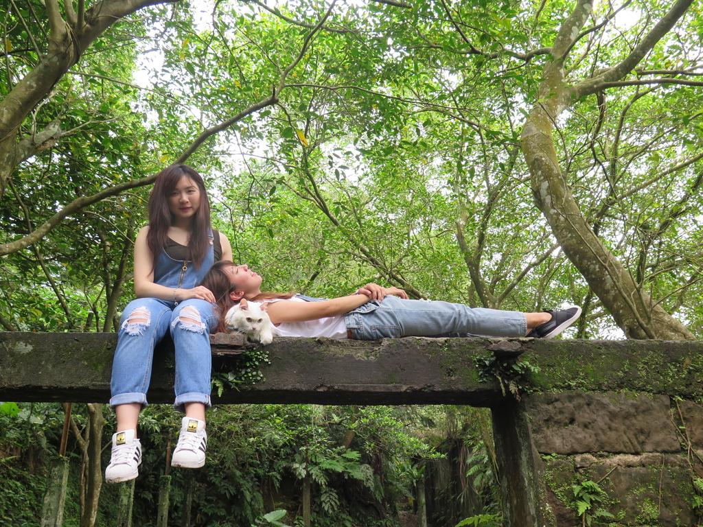 IMG_1863.JPG - 【台北.平溪】平溪小祕境。偶像劇妹妹拍攝地。石底大斜坑拍寵物寫真球球篇