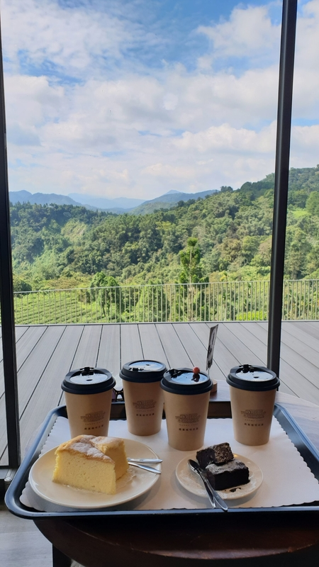 158764.jpg - 【南投.魚池鄉】鹿篙咖啡。被群山環繞的咖啡廳。咖啡好喝蛋糕好吃