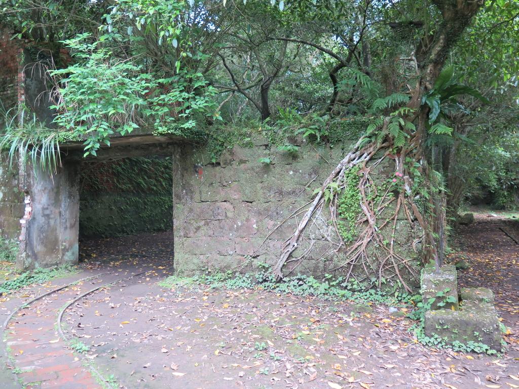 IMG_1760.JPG - 【台北.平溪】平溪小祕境。偶像劇妹妹拍攝地。石底大斜坑拍寵物寫真球球篇