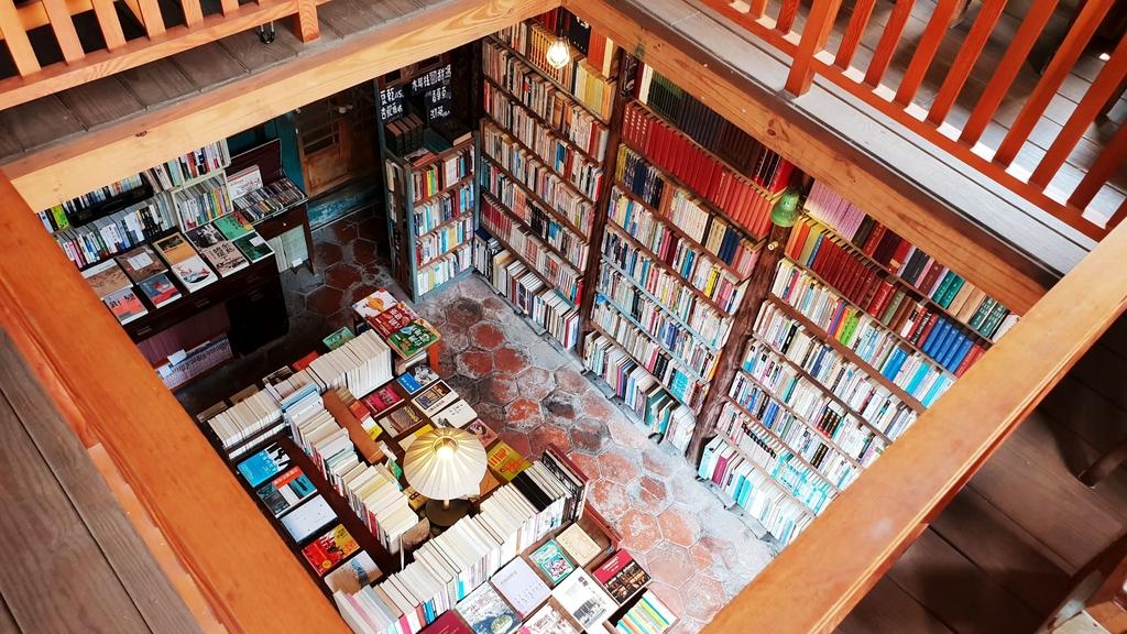 145903.jpg - 【彰化.鹿港】書集囍事二手書店。文青風悠閒下午茶。寵物友善空間。老闆超親切有回家的感覺