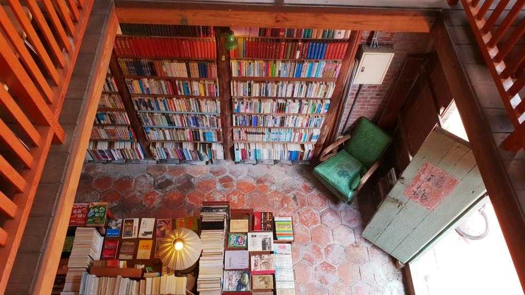 145907.jpg - 【彰化.鹿港】書集囍事二手書店。文青風悠閒下午茶。寵物友善空間。老闆超親切有回家的感覺