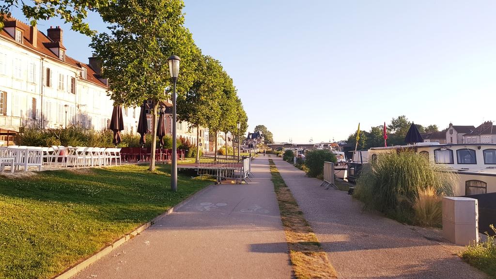 20190704_070118[1].jpg - 2019【法國】南法之旅。歐塞爾Auxerre距離巴黎180公里古樸漁港風情小鎮