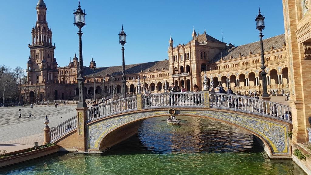 133157.jpg - 【西班牙.賽維亞】2020Sevilla西班牙廣場划10歐小船不限時間。假日觀賞佛朗明哥街頭藝人表演