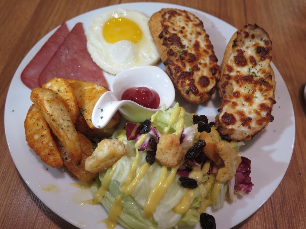 IMG_8129.JPG - 【中和.永和】永貞路早午餐.義大利麵推薦。紫羅蘭早午餐。大推焗烤脆皮鮪魚套餐。南洋峇里精油spa撰寫
