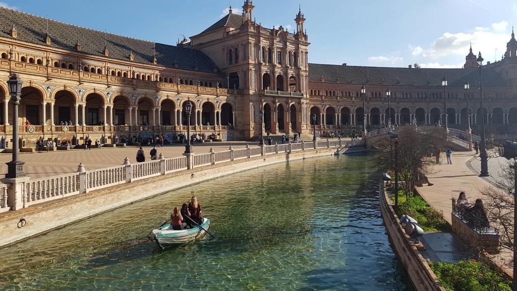 133155.jpg - 【西班牙.賽維亞】2020Sevilla西班牙廣場划10歐小船不限時間。假日觀賞佛朗明哥街頭藝人表演