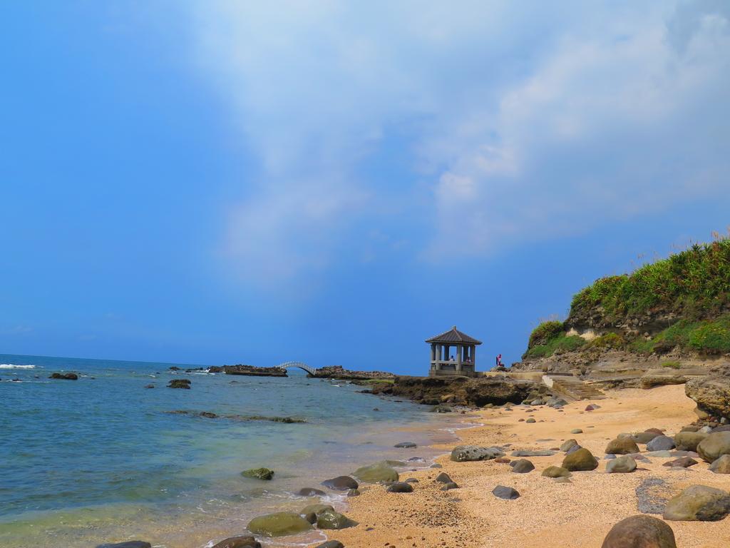 【台北】北海岸石門洞景點。美麗的貝殼砂海灘。熱門觀看夕陽&潮間帶景點:IMG_9663.JPG