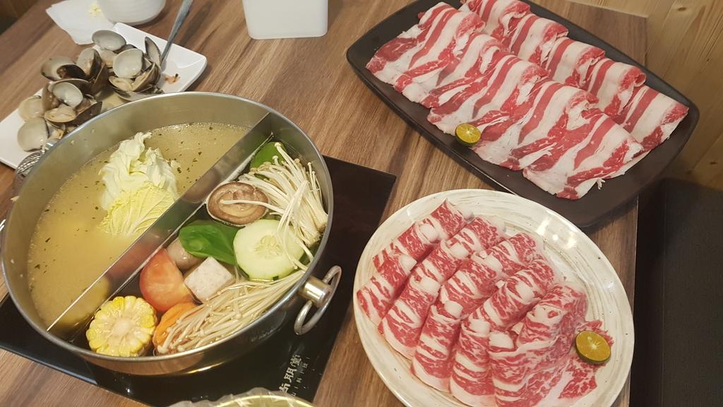 20191031_114823.jpg - 【中和.永和】瀧厚火鍋。平價高級肉專售店。超推濃醇香的蛤蠣爆爆鍋煮海鮮超美味