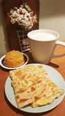 【中和.永和】頂溪捷運站早午餐推薦。晨時年代朝食所。推手工鮪魚起士蛋餅:20190528_075719.jpg