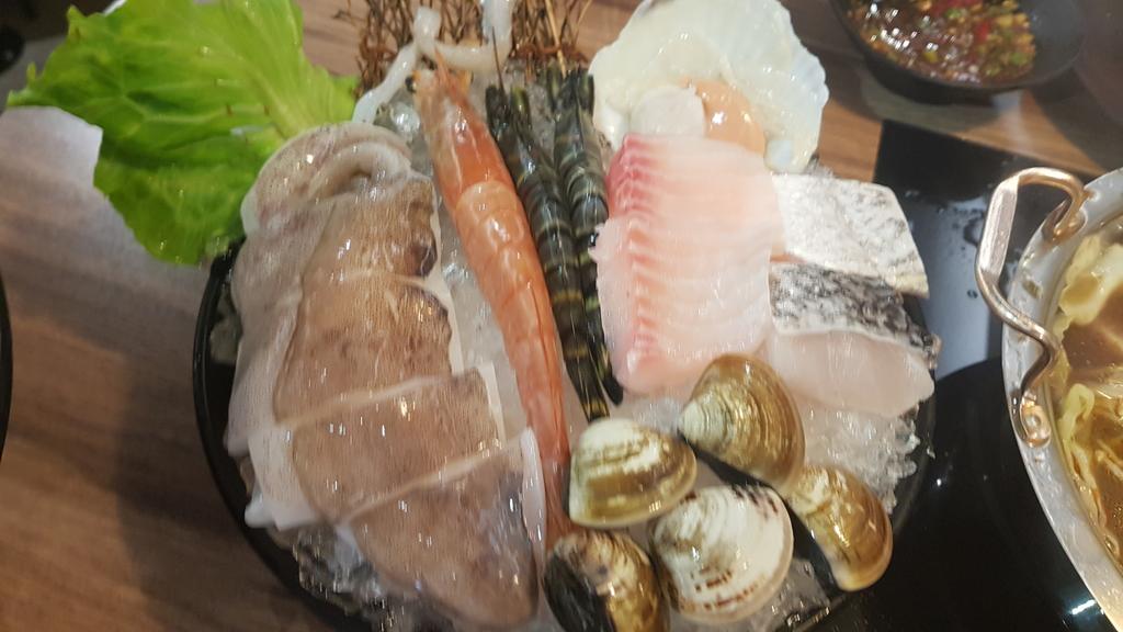 20191031_115608.jpg - 【中和.永和】瀧厚火鍋。平價高級肉專售店。超推濃醇香的蛤蠣爆爆鍋煮海鮮超美味