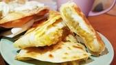 【中和.永和】頂溪捷運站早午餐推薦。晨時年代朝食所。推手工鮪魚起士蛋餅:20190605_063359.jpg