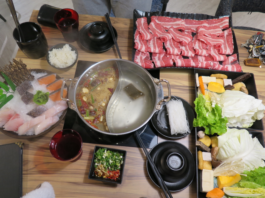IMG_5782.JPG - 【中和.永和】沸騰涮涮鍋。平價高級肉專賣店。推蒙古香辣鍋.昆布火鍋