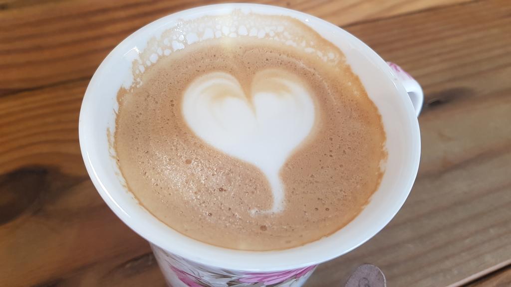 20191107_111940.jpg - 【中和.永和】仁愛公園咖啡甜點推薦。咖啡咖小木屋建築咖啡香四溢。野夫咖啡豆手沖美味咖啡