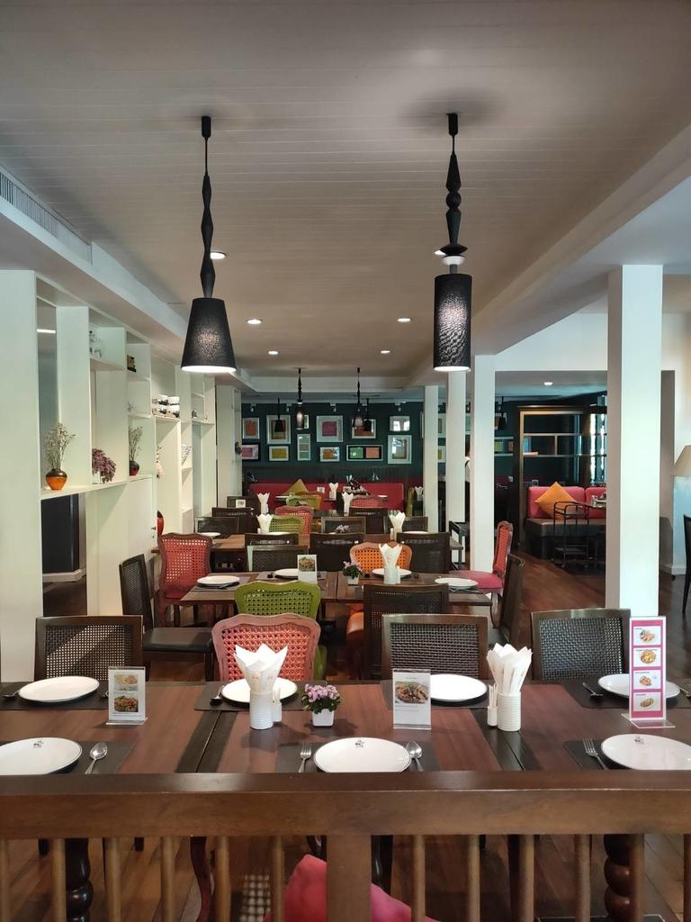 【曼谷】2019東羅站BTS網美餐廳推薦。Taling Pling充滿綠意玻璃屋泰式餐廳:118846.jpg